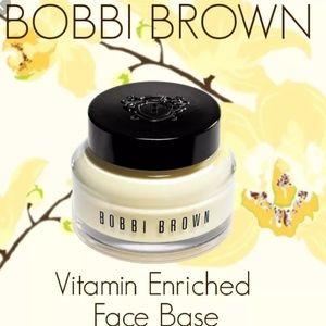 👀BNIB👀 Bobbi Brown Vitamin Enriched Face Base